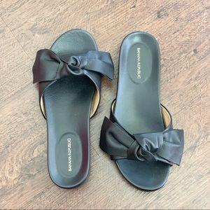 Shoes - Banana Republic black leather Bow slides sandals